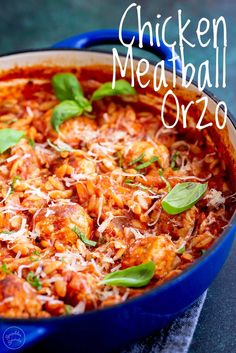 This One Pot Chicken Meatball Orzo will quickly become one of your family's favorite meals! A delicious easy dinner, that cook in under 30 minutes. Chicken Mince Pasta, Minced Chicken Recipes, One Pot Chicken, Chicken Meatballs, Orzo Pasta Recipes, Pasta Dishes, Mince Recipes, Cooking Recipes, Fast Recipes