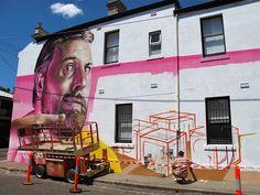 Street-Art-Day: Fotorealistische Porträts von Smug  Der schottische Künstler Smug bringt seine beeindruckenden fotorealistischen Porträts ausschließlich freihand mit Sprühfarbe auf die Wand. Seine...