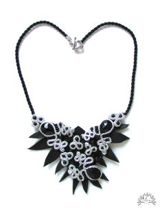 A leather&soutache necklace, made by me ;)
