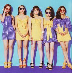 Red velvet summer magic power up Seulgi, Kpop Girl Groups, Korean Girl Groups, Kpop Girls, Stage Outfits, Kpop Outfits, Red Velvet Irene, Black Velvet, Good Girl