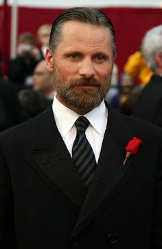 Viggo Mortensen with a beard Viggo Mortensen, Oscar Winners, How To Pose, Sharp Dressed Man, Man Crush, Bearded Men, Gorgeous Men, Movie Stars, Actors & Actresses