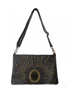 Bolso de Mano Pavo Real #motufashion #bolsos Shoulder Bag, Bags, Fashion, Peacock, Women's Handbags, Hot Clothes, Clothes Shops, Fashion Trends, Women