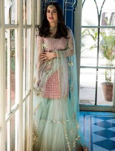 Sharara designs - Trendy Sharara & Gharara Sets that will make you go sharara sharara Party Wear Indian Dresses, Designer Party Wear Dresses, Dress Indian Style, Indian Wedding Outfits, Bridal Outfits, Indian Outfits, Bridal Dresses, Gharara Designs, Kurti Designs Party Wear
