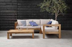 KARWEI | Door de uitstraling van het grove acaciahout is deze loungeset een echte eyecatcher op jouw terras of in de tuin.