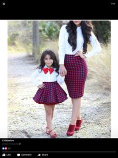 Mommy and baby girl matching outfits : super cute style. Mother Daughter Poses, Mother Daughter Matching Outfits, Mother Daughter Fashion, Mommy And Me Outfits, Family Outfits, Mom Daughter, African Dresses For Kids, Kids Outfits Girls, Little Girl Dresses