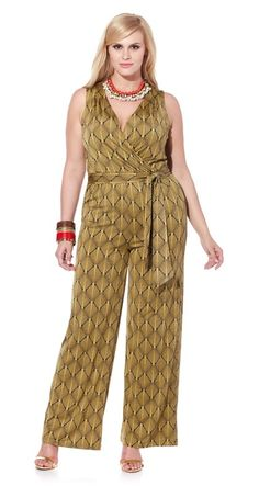 Talk about one-piece wonder! @nikkipoulos brings us this fashionable jumpsuit in so many vibrant colors & prints. Which is your fave?