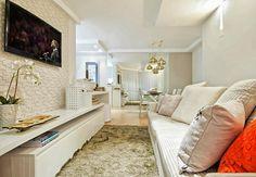 home theater com papel de parede - sala pequena apartamento pedra na parede atras da tv