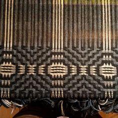 Heather Jaggerspun for WEBS. Weaving Designs, Weaving Projects, Weaving Patterns, Stitch Patterns, Knitting Patterns, Weaving Textiles, Tapestry Weaving, Loom Weaving, Hand Weaving