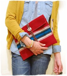 Clutch made from a saddle blanket - 25 DIY Handbags and Clutches