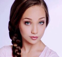 Think Your Hair Can't Be Tamed? Think Again! Everyone wants to have great looking hair, as a good set of locks can completely transform a person's appearance. Maddie Ziegler, Dance 4, Irish Dance, Dance Moms, Dazed Magazine, Kendall Vertes, Triple Goddess, Dance Dresses