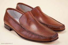 "Pakerson men's handcrafted brown Moccasins: barley stitching and a full natural leather sole complete the look of a casual shoe with an eye for fine detail.  - Mocassino Pakerson artigianale da uomo: la cucitura ""a spiga"" e il fondo in cuoio naturale completano la bellezza di una scarpa casual che non trascura i dettagli. http://store.pakerson.it/man-moccasins-11051-tan.html"