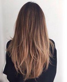 Long natural wavy hair balayage