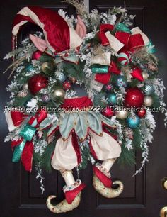 """""""Crystal Palace Elf"""" Christmas Wreath-Petals & Plumes-Hat n' Boots Collection © 2010"""