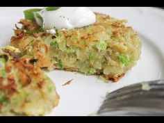 My affinity for Brussels sprouts is not secret. I mean, have you seen my Balsamic-Roasted Brussels Sprouts? So when came time to experiment with latkes, you just know I had to add Brussels sprouts, right?