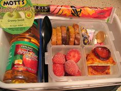 This is seriously the best lunch idea pin! This mom gets mom of the year for her lunches. Lot's of good ideas that I never would have thought of! about 100 pictures of ideas Lunch Snacks, Healthy Snacks, Healthy Recipes, Kid Snacks, Healthy Eating, Think Food, Food For Thought, Toddler Meals, Kids Meals