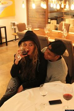 Queen Bey, stop trying to be a normal person like rest of us, that hoodie and jeans don't fool me