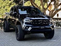 cars Mercedes-Benz Maybach Fans on Instag - Mercedes Auto, Mercedes Benz Maybach, Benz Suv, Mercedes Benz Trucks, Suv Trucks, Pickup Trucks, Lux Cars, Nissan 370z, Nissan Gt