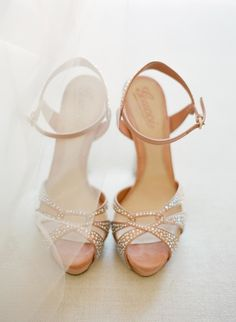 Blush shoes: http://www.stylemepretty.com/2015/02/26/spring-santa-barbara-wedding-at-villa-sevillano-part-ii/ | Photography: Jose Villa Photography - http://josevillaphoto.com/