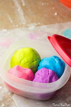 This DIY Play Dough Soap is messy play that gets kids clean! It's homemade play dough made with soap, is tub-safe, and doesn't stain skin. Plus, it has only 3 ingredients you probably already have: sulfate free body wash, cornstarch, and water! Your kids will want bath time, ALL the time! Get your kids clean with this DIY soap recipe, then get your clothes clean with Sulfate-Free All Detergent. [ad] #allEssentials #allSulfateFree
