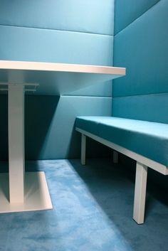 ComCube, der Kommunikations- und Besprechungswürfel by kühnle'waiko #office #furniture #workspace #interior #design #acoustic #roominroom