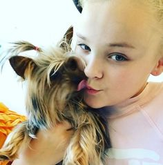 jojo siwa pictures with her dog - Yahoo Image Search Results Jojo Yes, Jojo Siwa Instagram, Jojo Siwa Outfits, Puppy Pose, Star Actress, Bow Shirts, Color Meanings, Dog Bows, Son Luna