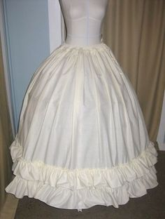 How to make a simple petticoat to go over a hoopskirt