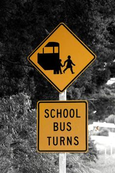 'Road sign 'School Bus' in New Zealand' von stephiii bei artflakes.com als Poster oder Kunstdruck $15.68