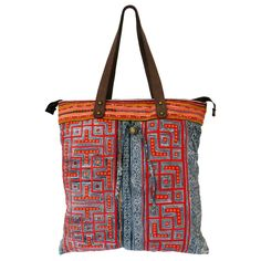 The Dalaht Yai is a great every day made fron the of a chinese Miao skirt. Baggage, Style Fashion, Fashion Accessories, Chinese, Textiles, Tote Bag, Skirt, Fabric, Projects