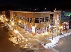 The Main Crossing Posted: Happy Holidays-Live Entertainment this weekend at The Main Crossing is:  Tonight 12/2 Karley Davidsion from 8:30-11 and Darwin Manassian 12/3  from 8-11PM  #liveentertainemnt #happyhour #brightondining #stonefirepizza