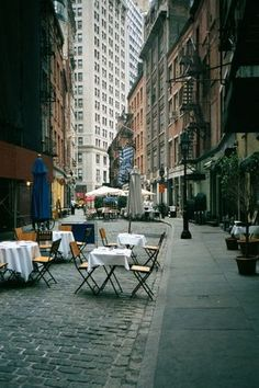 New York's Best First Date Spots  http://voices.yahoo.com/new-yorks-best-first-date-spots-11261508.html?cat=7