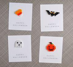 Ideas para hacer manualidades con hama beads ¿Qué son los Hama Beads? Los beads o perler son unos pequeñas cuentas o cilindros huecos de plástico con los que puedes hacer un montón de figuras y diseños, los hay de varios tamaños y multitud de colores. Sirven para hacer composiciones similares al pixelart. Hama es una de las marcas más conocidas. ¿Donde comprar los Hama Beads? Puedes comprarlos online en muchos sitios o buscar alguna tienda de tu ciudad que los tenga, nosotros hemos…