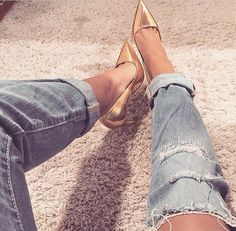 Boyfriend cut jeans with heels. I love how the jeans are distressed. It gives a streetwear style.