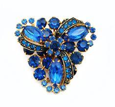 Emerald cut RHINESTONE BROOCH Chunky costume jewelry pin Estate Jewelry classic traditional pin Mid Century Vintage Wedding Jewelry