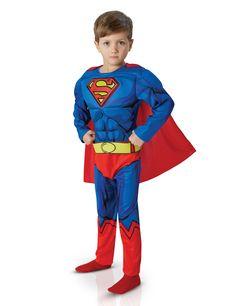 Disfraz Superman™ Cómic Deluxe niño: Este disfraz de Superman™ para niño tiene licencia oficial DC Comics™. Incluye traje con cinturón y capa (calcetines no incluidos).El traje es azul de tejido elástico...
