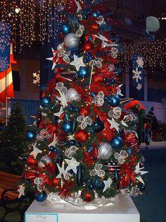 Patriotic Christmas Tree Patriotic of July tree. Christmas Tree Themes, Holiday Themes, Blue Christmas, Christmas In July, Xmas Tree, Christmas Mantles, Christmas Villages, Victorian Christmas, Christmas Christmas