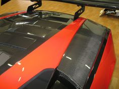 Carbon fiber engine cover of #Lamborghini #Gallardo. www.brebeckcomposite.com