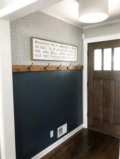 Diy Interior, Interior Design, Diy Casa, First Home, Entryway Decor, Kitchen Entryway Ideas, Entryway Coat Hooks, Hallway Wall Decor, Entryway Paint