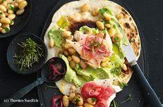 Forellen-Tortillas mit Avocadocreme Guacamole, Tortillas, Vegetable Pizza, Pasta, Tex Mex, Vegetables, Food, Brown Trout, Food Food