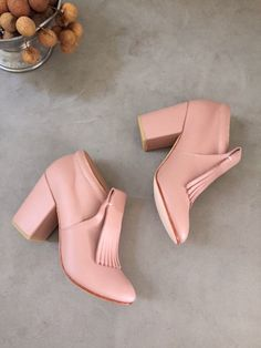 A Détacher falcon bootie, blush