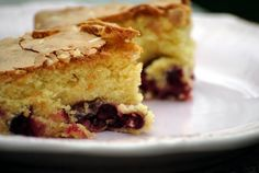 torta soffice alle ciliegie (cherry cake)...by Sorelle in pentola