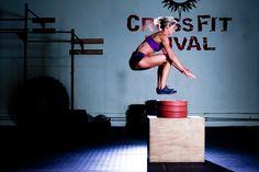 Crossfit es un entrenamiento de alto rendimiento que trabaja cuerpo y mente  en ejercicios de contantes movimientos. Esta es una efectiva técnica para perder peso, tonificar y aumentar la masa muscular en tan solo unos días.  http://www.linio.com.co/deportes-y-tiempo-libre/maquinas-de-ejercicio?utm_source=pinterest&utm_medium=socialmedia&utm_campaign=COL_pinterest___saludbelleza_crossfit_20141010_18&wt_sm=co.socialmedia.pinterest.COL_timeline_____saludbelleza_20141010crossfit.-.saludbelleza