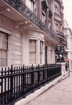 Nick sees Beau Brummel in this bay window of White's club in London.