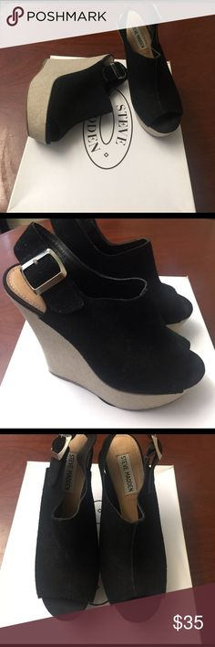 """Steve Madden Suede Wedge size 7 (runs small) Style: Wardenn Wedge Sandal, Black Suede.                        Heel: approximately 5"""", platform: 1.5""""                                  Gently-used black wedge that can be easily worn day to night! Versatile style that goes well with jeans and dresses. Steve Madden Shoes Wedges"""