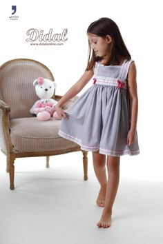 "Camisón modelo ""Carmen"" Little Girl Outfits, Little Dresses, Kids Outfits, Girls Dresses, Cute Poses, Kid Poses, Girls White Dress, Night Suit, Child Models"