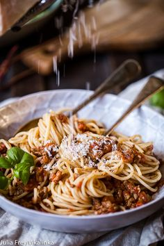 This robust, sweet and tangy slow cooker Beef Bolognese Sauce is a perfect companion for your spaghetti. Let slow cooker do all the work!