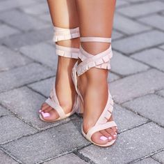 Awesome! Luxury Shoes, Bootie Sandals, Shoes Sandals, Shoe Boots, Myriam Fares, Ashley Graham, Beautiful Shoes, Gorgeous Feet, Buy Shoes