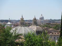 uitzicht vanaf Pincio de Zee van Koepelende Kerken