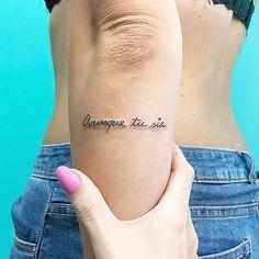 Sia Tattoo, Tattoo On, Piercing Tattoo, Latin Tattoo, Tattoo Neck, Piercings, Mini Tattoos, Small Tattoos, Tattoos For Guys