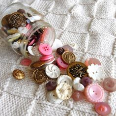 vintage buttons... pink, gold and white