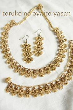 Boncuklu Oya Takı Modelleri Crochet Necklace Pattern, Crochet Bracelet, Bead Crochet, Crochet Crafts, Crochet Lace, Crochet Earrings, Tatting Necklace, Tatting Jewelry, Beaded Jewelry